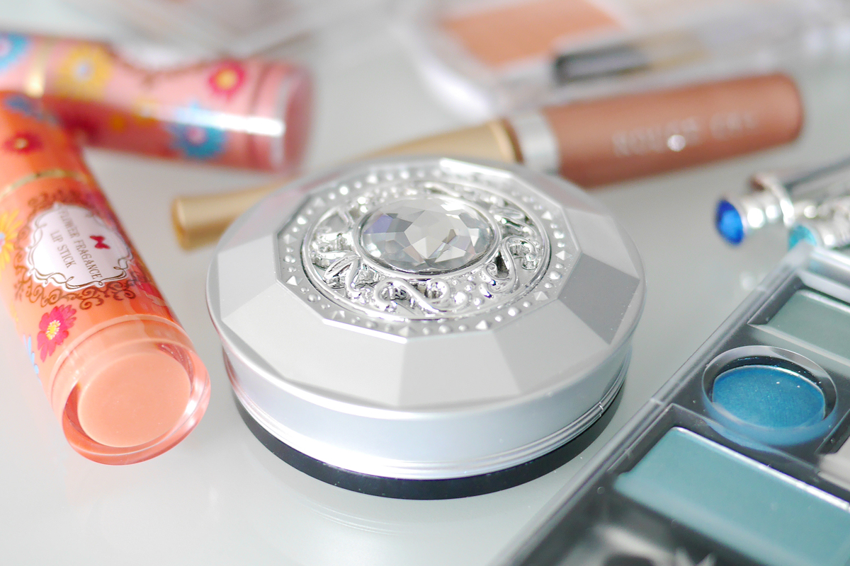 DAISO makeup products ダイソーのコスメ