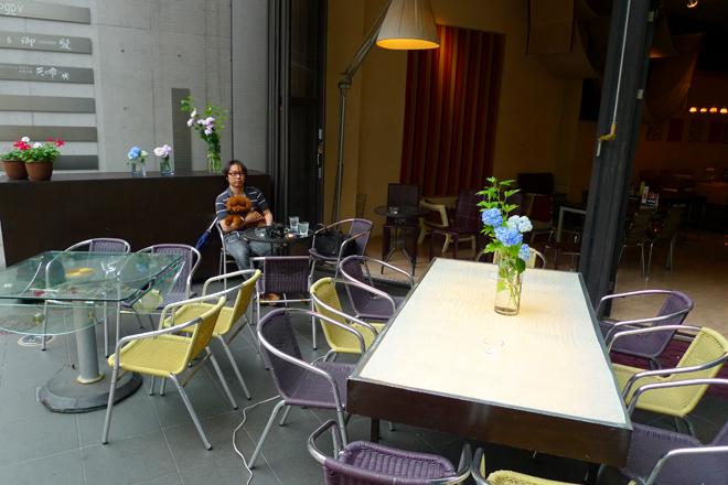 大名・Cafe & Dining Cherryでワンコ連れティータイム